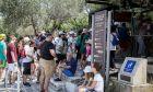 Ουρές από τουρίστες στους αρχαιολογικούς χώρους της Αθήνας