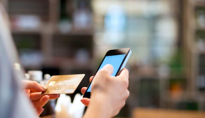 Τα ψηφιακά πορτοφόλια κερδίζουν τους καταναλωτές