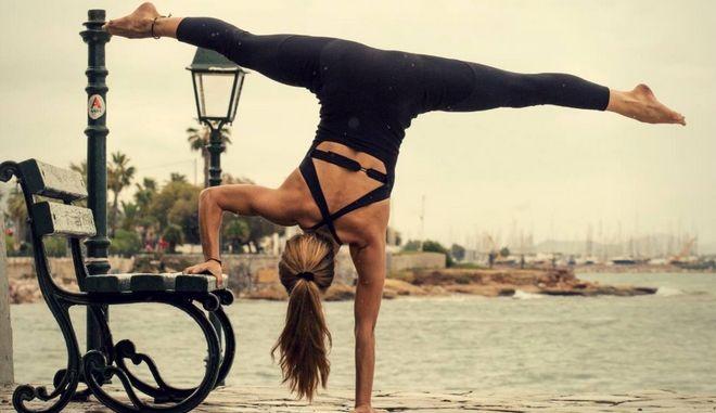 Παγκόσμια Ημέρα Yoga: όσα πρέπει να γνωρίζετε για την άσκηση που γυμνάζει σώμα και πνεύμα