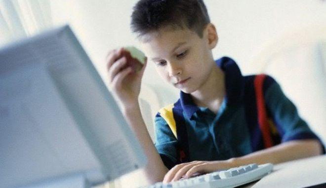 Παιδόφιλοι εντοπίζουν τα θύματά τους με GPS