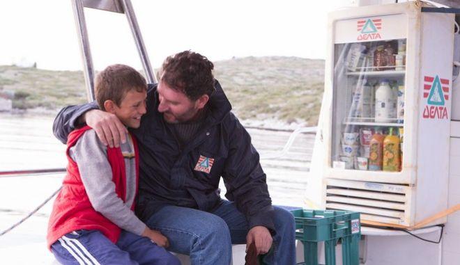 Ένα ταξίδι στην Ελλάδα: Πώς το γάλα φτάνει καθημερινά απ' άκρη σ' άκρη σε όλη τη χώρα