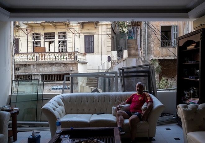 Μόνο ο καναπές έμεινε άθικτος στο σπίτι του George Abdo.