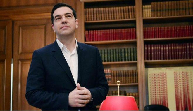 Le Figaro: Ένα χρόνο μετά την εκλογή Τσίπρα, η Ελλάδα παραμένει εκτός λειτουργίας