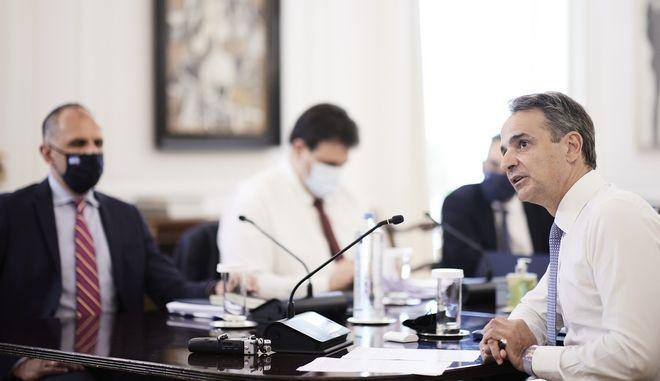 Στιγμιότυπο από το Υπουργικό Συμβούλιο