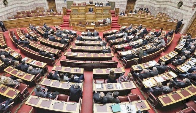 Εκλογή του ΠτΔ από την παρούσα Βουλή, ζητούν 100 προσωπικότητες