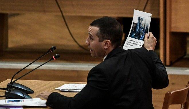 Απολογία του πρώην βουλευτή Ηλία Κασιδιάρη στη δίκη της Χρυσής Αυγής