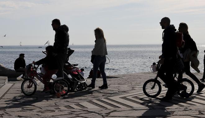 Αθηναίοι στην παραλία του Φλοίσβου