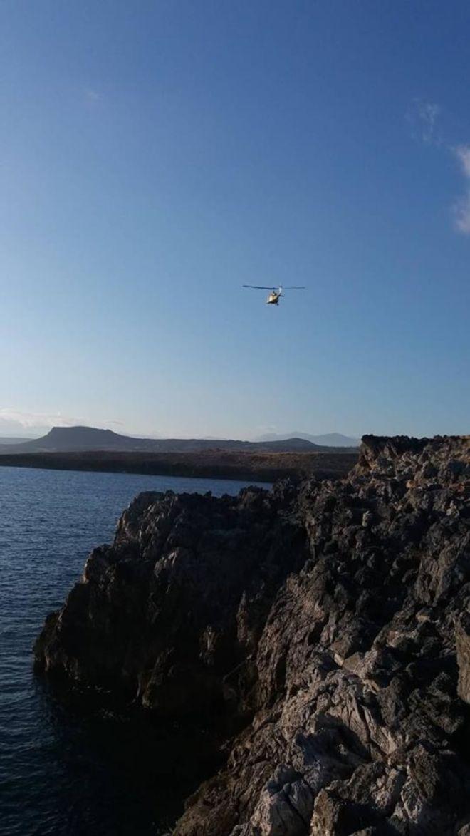 Ελικόπτερο ερευνά την περιοχή για ίχνη του 65χρονου Ψαρά, Κρήτη