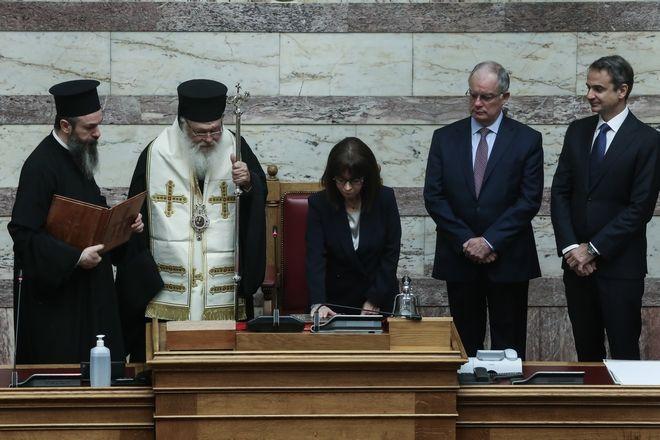 Ορκίστηκε η Κατερίνα Σακελλαροπούλου