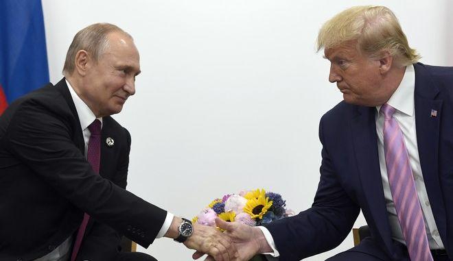 Συνομιλία μεταξύ Πούτιν και Τραμπ
