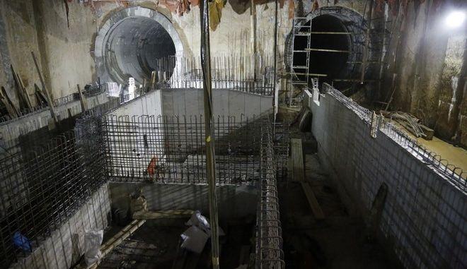 Εργασίες κατασκευής στο εργοτάξιο του Πανεπιστημίου, έναν απο τους κεντρικούς σταθμούς του Μετρό της Θεσσαλονίκης. Η κατασκευή του σταθμού Πανεπιστήμιο ξεκίνησε το 2008 και σύμφωνα με το χρονοδιάγραμμα της ΑΤΤΙΚΟ ΜΕΤΡΟ ΑΕ το 2020 θα ανοίξει τις πόρτες του στο κοινό ολοκληρώνοντας τη βασική γραμμή του υπογείου σιδηροδρόμου.  (EUROKINISSI/ΣΤΕΛΙΟΣ ΜΙΣΙΝΑΣ)