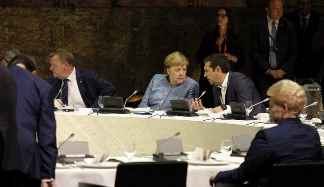 Ο πρωθυπουργός στη σύνοδο του Ευρωπαϊκού Σοσιαλιστικού κόμματος