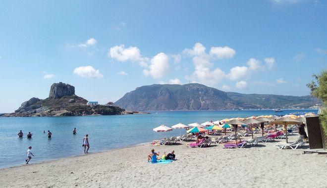 Η παραλία του Αγίου Στεφάνου, από τις πιο δημοφιλείς στο νησί