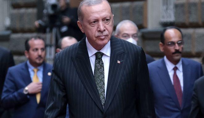 Ο Ερντογάν έχει νεύρα: Πώς ερμηνεύουν στην Αθήνα τις νέες προκλήσεις της Τουρκίας