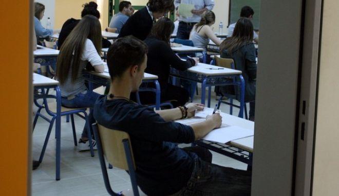Έναρξη των Πανελλαδικών εξετάσεων για την εισαγωγή στα ΑΕΙ και ΤΕΙ σήμερα Παρασκευή 17 Μαϊου 2013 (EUROKINISSI-ΤΑΤΙΑΝΑ ΜΠΟΛΑΡΗ)