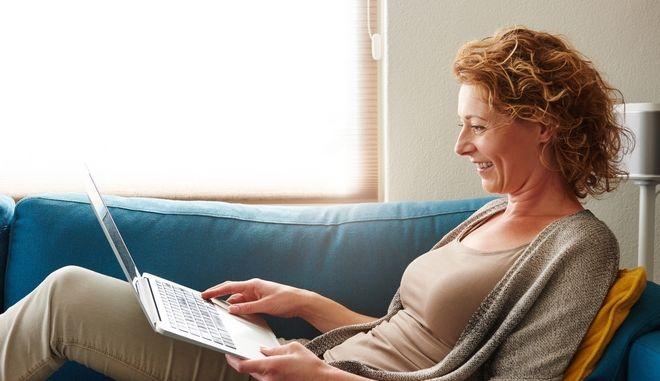 Γυναίκα σε μέση ηλικία
