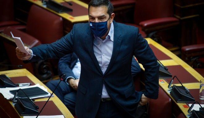 Ο πρόεδρος του ΣΥΡΙΖΑ-ΠΣ, Αλέξης Τσίπρας κατά την συζήτηση στη Βουλή για το νομοσχέδιο του υπ. Παιδείας