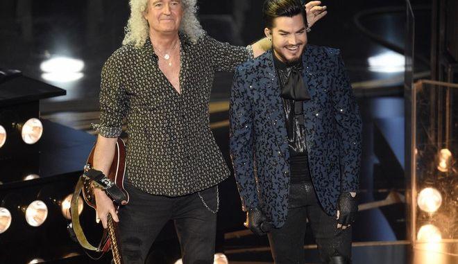 Ο Adam Lambert και ο Brian May των Queen