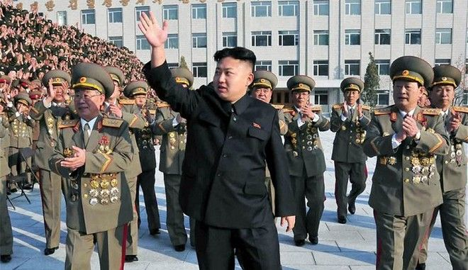 Κιμ Γιονγκ Ουν: Απειλές στις ΗΠΑ και βρισιές για τον νεκρό θείο του