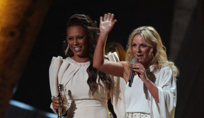 Οι δύο τραγουδίστριες σε παλαιότερη κοινή εμφάνιση
