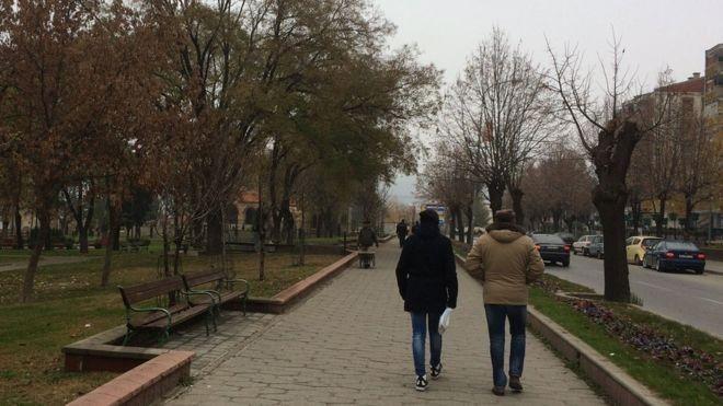 Πώς μια πόλη στην πΓΔΜ επηρέασε τις εκλογές στις ΗΠΑ και έγινε πλούσια