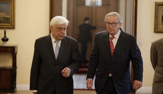 Ο Πρόεδρος της Δημοκρατίας Προκόπης Παυλόπουλος με τον πρόεδρο της Ευρωπαϊκής Επιτροπής Ζαν Κλοντ Γιούνκερ