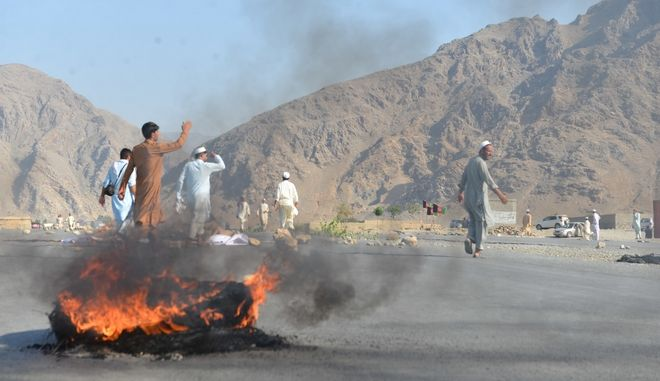 Δεκάδες νεκροί από επίθεση αυτοκτονίας σε συγκέντρωση στο Αφγανιστάν