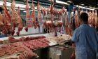 Εικόνα από τη Βαρβάκειο αγορά την Μ. Εβδομάδα