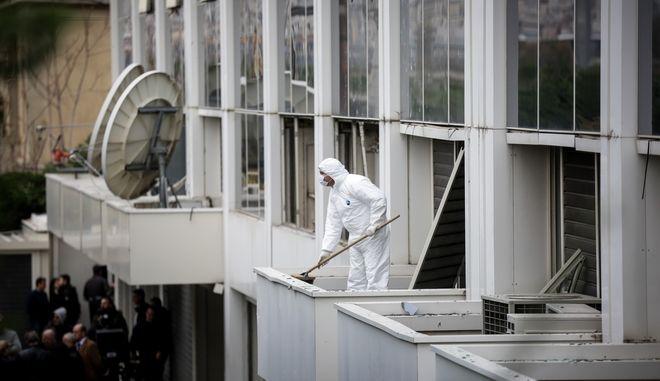 Ισχυρή έκρηξη βόμβας τα ξημερώματα στις εγκαταστάσεις του τηλεοπτικού σταθμού ΣΚΑΙ στο Φάληρο.