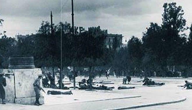3 Δεκεμβρίου 1944: Η Ματωμένη Κυριακή με τα μάτια του Λουντέμη