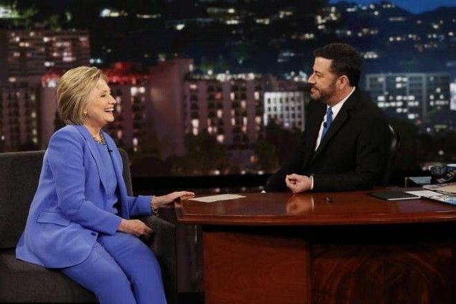 Η Χίλαρι Κλίντον υπόσχεται να ανοίξει την 'Περιοχή 51' για το κοινό