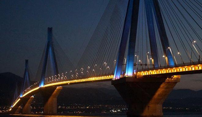 Ρίο-Αντίρριο: Φως γιορτινό στη Γέφυρα