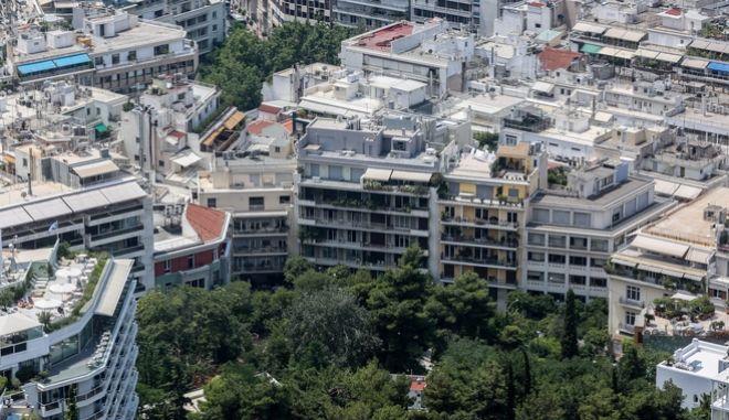 Σπίτια στην Αθήνα - Στιγμιότυπο από την κορυφή του Λυκαβηττού