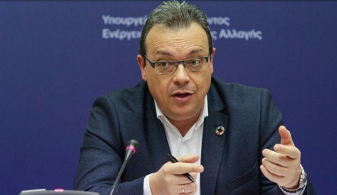 οαναπληρωτής υπουργός Περιβάλλοντος και Ενέργειας Σωκράτης Φάμελλος