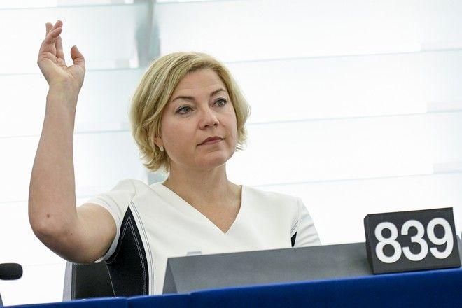 Henna VIRKKUNEN in plenary session Week 24 2017 in Strasbourg