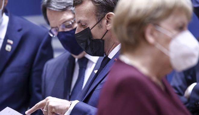 Μακρόν, Αναστασιάδης και Μέρκελ με μάσκες προστασίας από τον κορονοϊό.