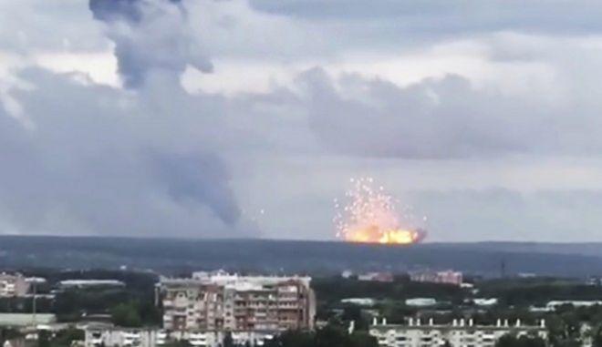 Έκρηξη σε αποθήκες πυρομαχικών στη Σιβηρία