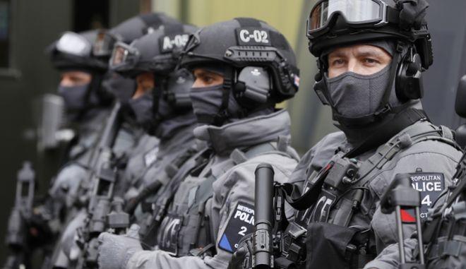 Βρετανία: Σύλληψη τεσσάρων υπόπτων που σχεδίαζαν τρομοκρατική επίθεση