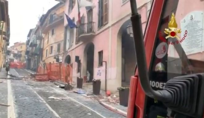 Εικόνα από την έκρηξη φυσικού αερίου στην πόλη Ρόκα ντι Πάπα στην ιταλία