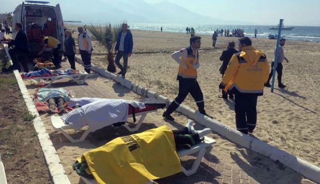 Τραγωδία στις τουρκικές ακτές με 12 νεκρούς μετανάστες