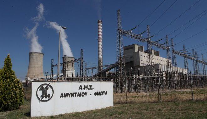 """Ο πρόεδρος του ΣΥΡΙΖΑ Αλ.. Τσίπρας στον Ατμοηλεκτρικό Σταθμό ΑΗΣ και στο ορυχείο στο Αμύνταιο της Φλώρινας, την Τετάρτη 2 Ιουλίου 2014. Η επίσκεψη του Αλ. Τσίπρα πραγματοποιήθηκε στο πλαίσιο της καμπάνιας του ΣΥΡΙΖΑ """"για την αποτροπή του ξεπουλήματος της Δημόσιας Επιχείρησης Ηλεκτρισμού (Δ.Ε.Η.)"""". Ο πρόεδρος του ΣΥΡΙΖΑ είχε επίσης συνάντηση με τους φορείς της περιοχής που συνδιοργάνωσαν το συλλαλητήριο στο Αμύνταιο στο Πνευματικό Κέντρο του Δήμου Αμυνταίου. (EUROKINISSI/ΣΥΝΕΡΓΑΤΗΣ)"""