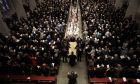 ΗΠΑ: Τέσσερις πρώην πρόεδροι και εκατοντάδες άλλοι άνθρωποι αποχαιρέτισαν την Μπάρμπαρα Μπους