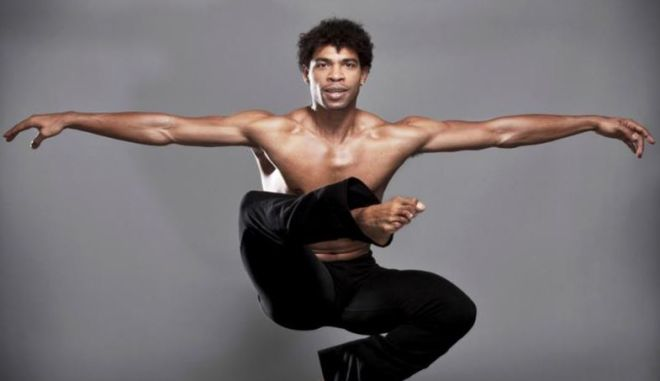 Ο Κάρλος Ακόστα έρχεται στο Ηρώδειο για να γιορτάσει τα 30 χρόνια του στο μπαλέτο