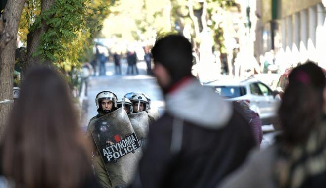 Συγκέντρωση διαμαρτυρίας για την εκκένωση κτιρίων στο Κουκάκι