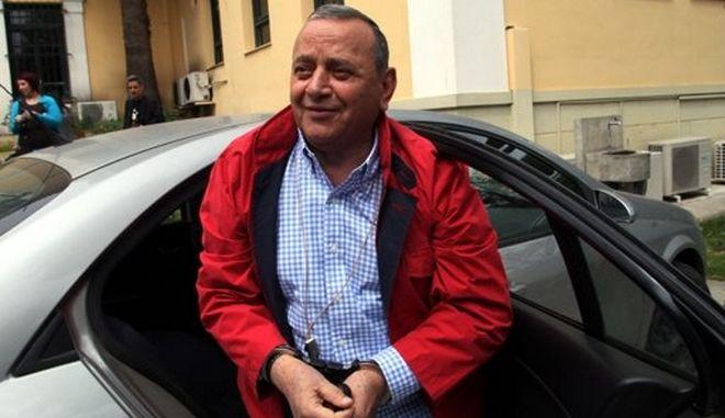 Συνελήφθη και πάλι ο Γιώργος Κουρής για χρέη. Στήθηκε ολόκληρη επιχείρηση με ψεύτικο ταξί