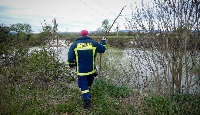 Έρευνες στο φράγμα του Πηνειού ποταμού στην Λάρισα