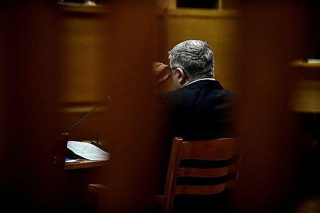 Στιγμιότυπο από την απολογία του Νίκου Μιχαλολιάκου στη δίκη της Χρυσής Αυγής