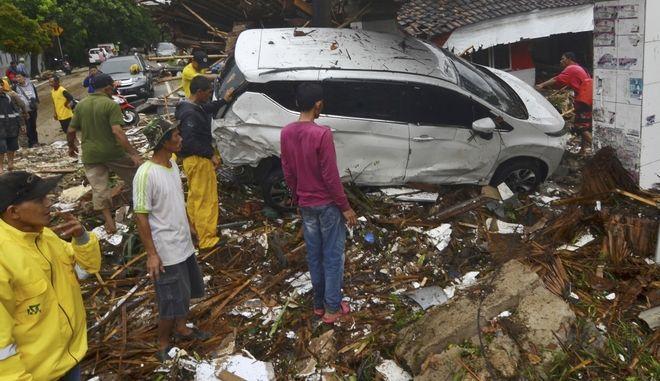 Στιγμιότυπο μετά το τσουνάμι στην Ινδονησία