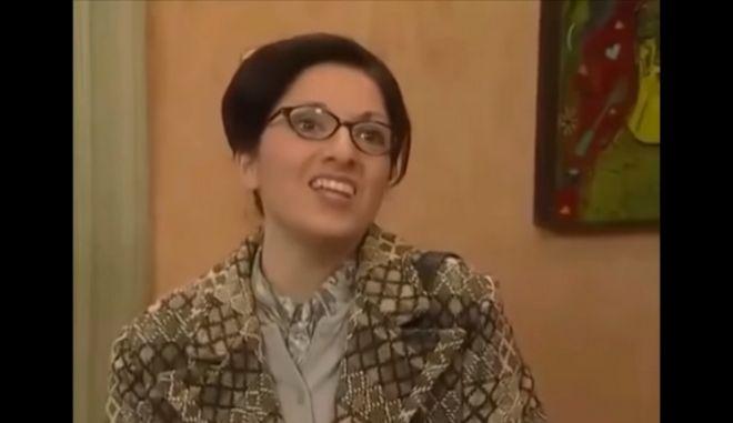 """Η Σοφία Μουτίδου ως δασκάλα στο """"Καφέ της Χαράς"""""""