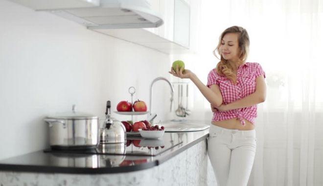 Το μυστικό των 10' λεπτών που θα κρατά σε τάξη την κουζίνα σου